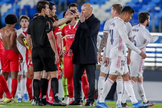 Mất điểm sân nhà, Real Madrid tố trọng tài phá hỏng cuộc đua vô địch - Ảnh 6.
