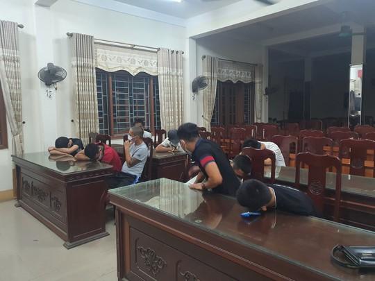 Dịch Covid-19 phức tạp, 11 thanh niên vẫn tụ tập, chơi ma túy trong quán karaoke - Ảnh 1.
