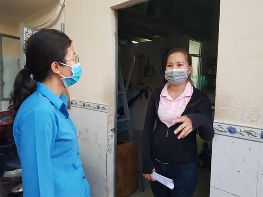 Động viên công nhân ở trọ bị ảnh hưởng bởi dịch Covid-19 - Ảnh 3.