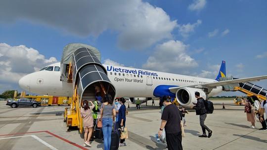 Vietravel tính bán bớt vốn, cổ phần hoá Vietravel Airlines - Ảnh 1.