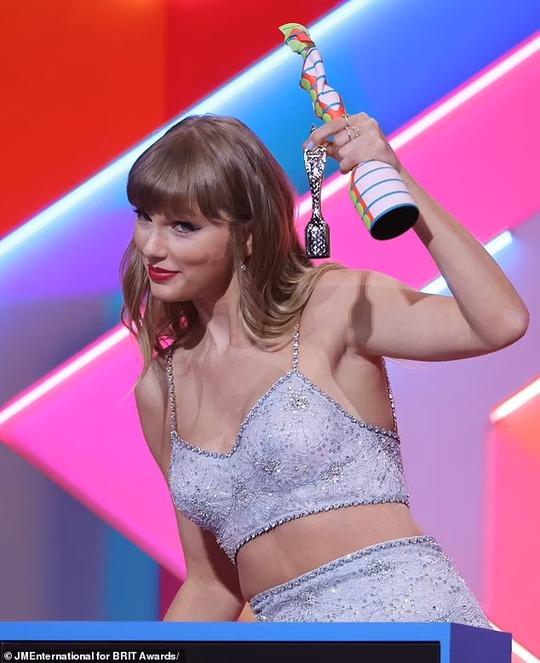 Taylor Swift lập kỷ lục mới đáng ngưỡng mộ - Ảnh 3.