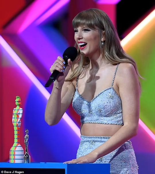 Taylor Swift lập kỷ lục mới đáng ngưỡng mộ - Ảnh 2.