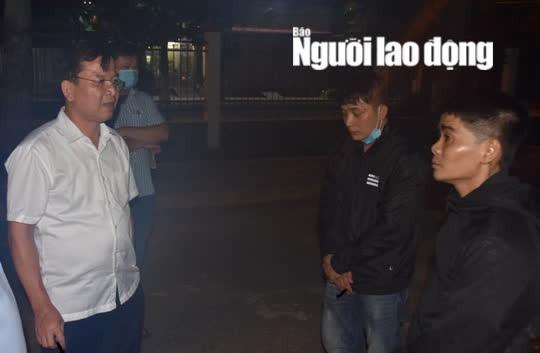 CLIP: 2 kẻ giết người ở cổng chợ Nhị Tì - Tiền Giang ra đầu thú - Ảnh 2.