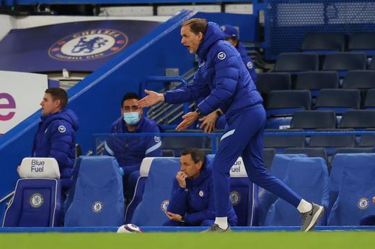 Chelsea tặng quà trận derby, Arsenal mơ mộng Top 6 - Ảnh 1.