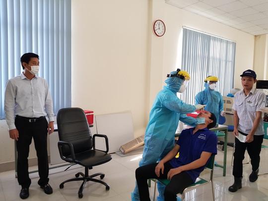 Xây dựng các phương án nếu có công nhân bị nhiễm Covid-19  - Ảnh 2.