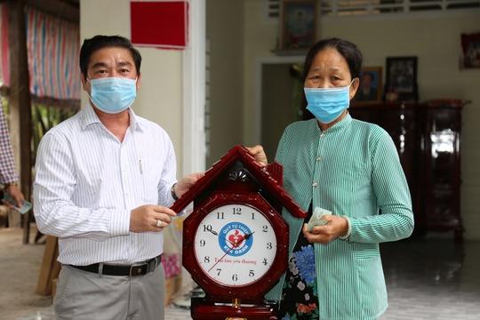 Quỹ Từ thiện Kim Oanh bàn giao 2 căn nhà tình thương tại Vĩnh Long - Ảnh 2.