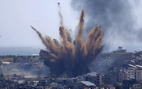 Hamas phóng rốc-két trả thù vụ Israel không kích chết gia đình 10 người Palestine - Ảnh 1.