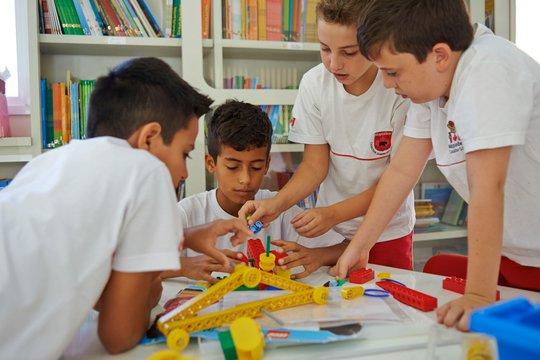 Hệ thống giáo dục Sunshine Maple chính thức đào tạo cấp THCS chuẩn Canada - Ảnh 2.