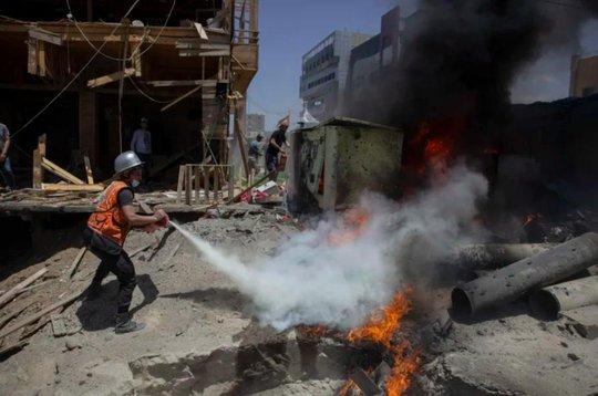 Israel không kích tan tành đường hầm, nhà chỉ huy Hamas - Ảnh 1.