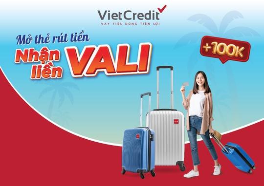 VietCredit ưu đãi hè tặng vali cao cấp cho chủ thẻ vay - Ảnh 1.