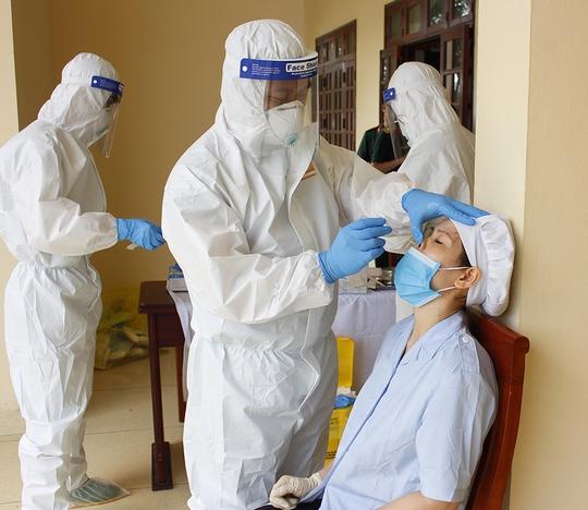 Thêm 94 ca dương tính SARS-CoV-2, 12 ca lần đầu ghi nhận tại Công ty Samkwang Vina - Ảnh 1.
