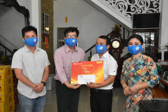 Chương trình Mai Vàng nhân ái thăm Nghệ nhân quan họ Trung Kiên - Ảnh 1.