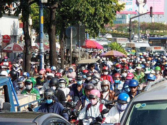 Đề xuất làm đường trên cao từ đường Cộng Hòa đến Nguyễn Văn Linh - Ảnh 1.