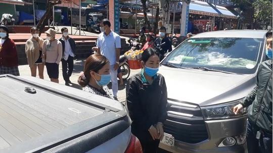 Tóm gọn 4 kẻ móc túi du khách tại chợ Đà Lạt - Ảnh 2.