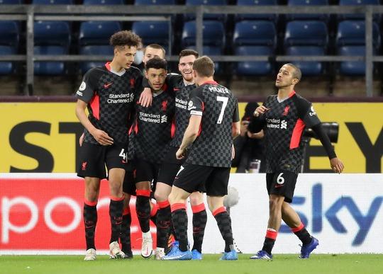 Liverpool thắng đậm ở Turf Moor, Arsenal tiếp tục nuôi giấc mơ châu Âu - Ảnh 5.