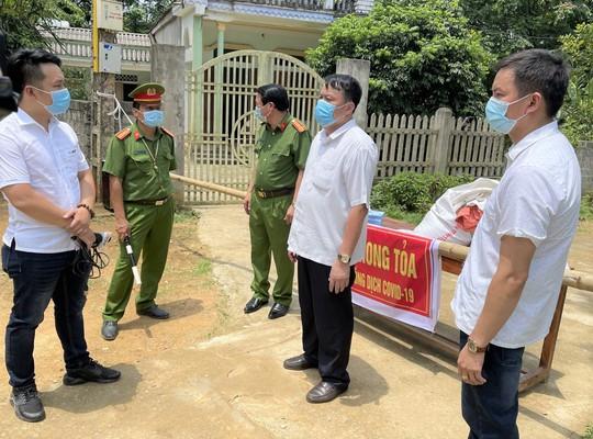 Khẩn: Tìm người liên quan ca mắc Covid-19 ở Thanh Hóa, ăn uống rượu thịt chó - Ảnh 1.