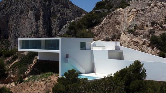 Những căn nhà trên vách núi - Ảnh 3.