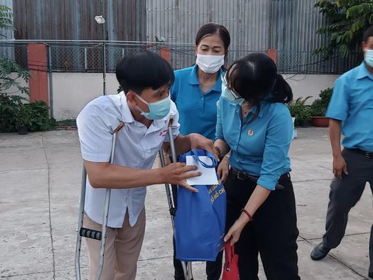 Chăm lo cho đoàn viên- lao động nghèo trong Tháng Công nhân - Ảnh 8.