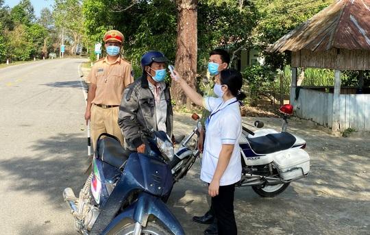 Khẩn cấp tìm người liên quan bệnh nhân Covid-19 từ TP HCM lên Đà Lạt bằng xe khách - Ảnh 2.