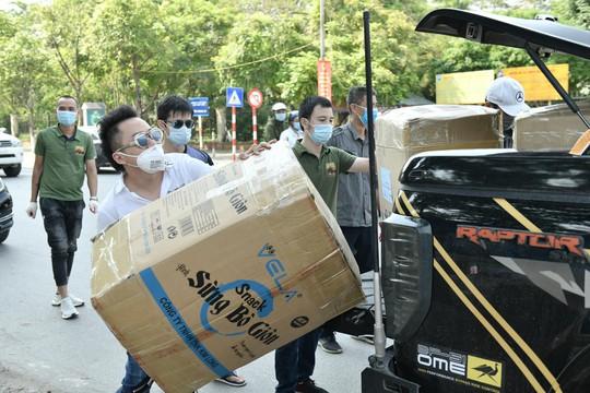 Ca sĩ Tùng Dương trao 460 triệu đồng ủng hộ Bắc Ninh, Bắc Giang - Ảnh 3.