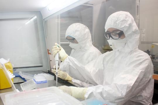 Thêm 79 ca dương tính SARS-COV-2, nhiều nguy cơ lây nhiễm trong cộng đồng - Ảnh 1.
