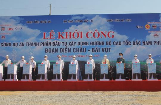 Khởi công dự án thành phần cao tốc Bắc - Nam hơn 11.000 tỉ đồng - Ảnh 3.