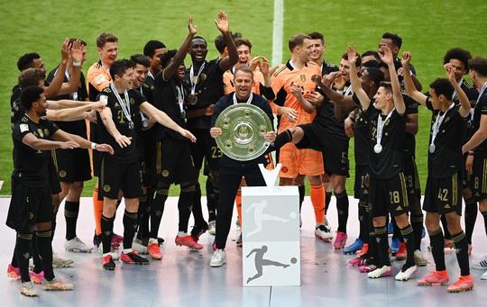 Lewandowski phá kỷ lục trong ngày Bayern Munich đăng quang vô địch Bundesliga - Ảnh 5.