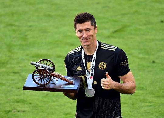Lewandowski phá kỷ lục trong ngày Bayern Munich đăng quang vô địch Bundesliga - Ảnh 8.
