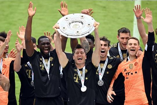 Lewandowski phá kỷ lục trong ngày Bayern Munich đăng quang vô địch Bundesliga - Ảnh 4.