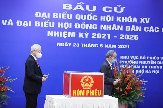 Những hình ảnh Tổng Bí thư Nguyễn Phú Trọng bỏ phiếu bầu cử - Ảnh 7.