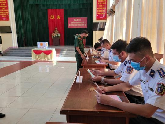 Bộ Tư lệnh Vùng Cảnh sát biển 2 hoàn thành tốt công tác bầu cử - Ảnh 5.