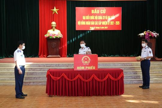 Bộ Tư lệnh Vùng Cảnh sát biển 2 hoàn thành tốt công tác bầu cử - Ảnh 2.