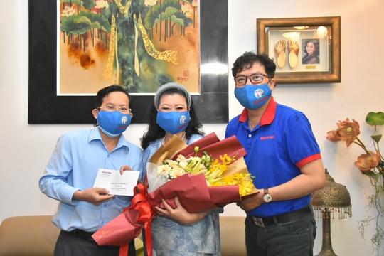 Mai Vàng nhân ái thăm NSND Kim Cương và NSND Minh Vương - Ảnh 1.