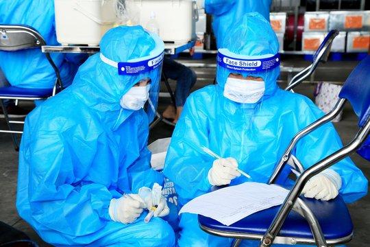 Trở lại công ty làm việc, nữ công nhân quê Thanh Hóa dương tính SARS-CoV-2 - Ảnh 1.