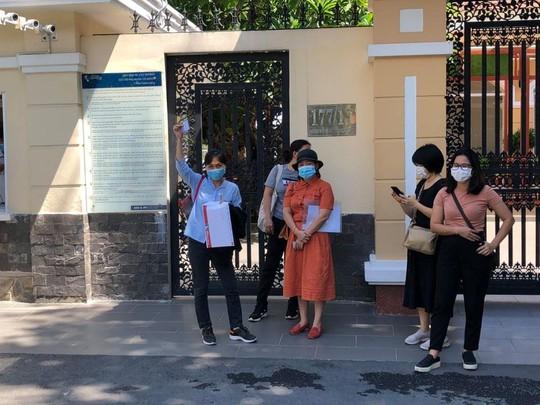 Phụ huynh Trường Quốc tế Á Châu: Nhà trường đơn phương ngưng tiếp nhận học sinh khiến các em bị tổn thương! - Ảnh 2.