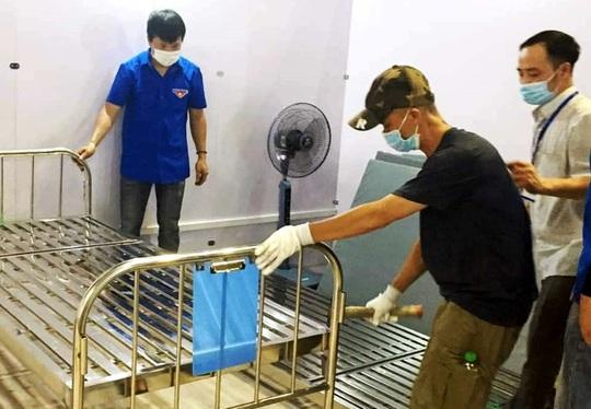Anh thợ nhôm kính góp 100 triệu, xung phong vào tâm dịch Bắc Giang - Ảnh 2.