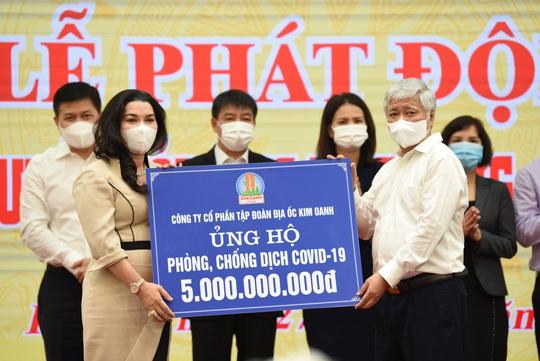 Tập đoàn Địa ốc Kim Oanh ủng hộ 7 tỉ đồng mua vắc-xin phòng, chống Covid-19 - Ảnh 2.