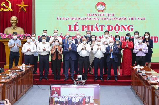 Tập đoàn Địa ốc Kim Oanh ủng hộ 7 tỉ đồng mua vắc-xin phòng, chống Covid-19 - Ảnh 1.