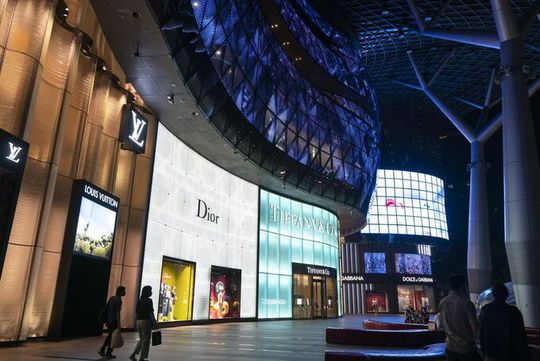 Giới siêu giàu đổ đến Singapore tránh dịch - Ảnh 1.