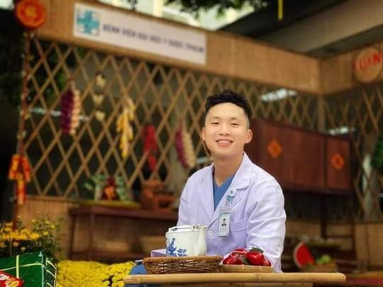 Bác sĩ TP HCM xuống tóc trước giờ lên đường chi viện cho Bắc Giang - Ảnh 4.