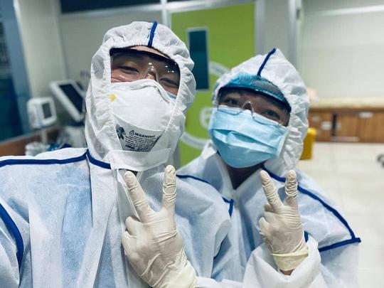 Bác sĩ TP HCM xuống tóc trước giờ lên đường chi viện cho Bắc Giang - Ảnh 3.