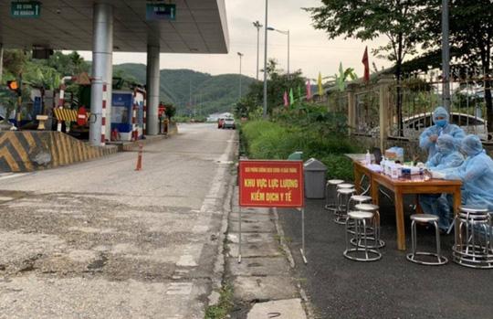 5 nhân viên cây xăng ở Sa Pa bán xăng đoàn chuyên gia Trung Quốc - Ảnh 1.