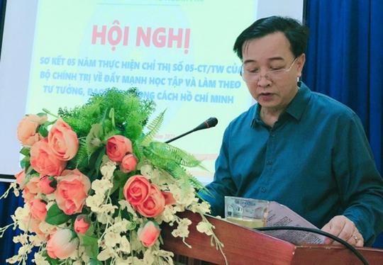 Cảnh cáo Giám đốc Trung tâm Y tế TP Yên Bái do vi phạm trong cách ly Covid-19 chuyên gia nước ngoài - Ảnh 1.