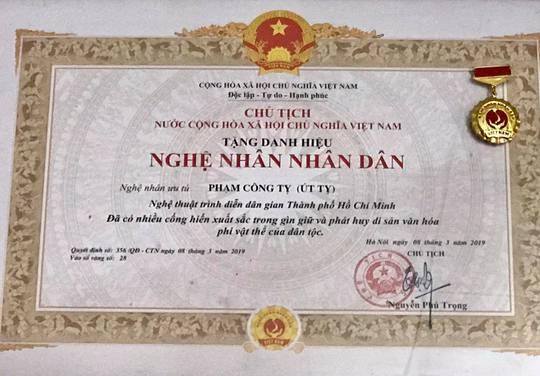 Mai Vàng nhân ái thăm Nghệ nhân Nhân dân Út Tỵ và NSƯT Xuân Quan - Ảnh 3.