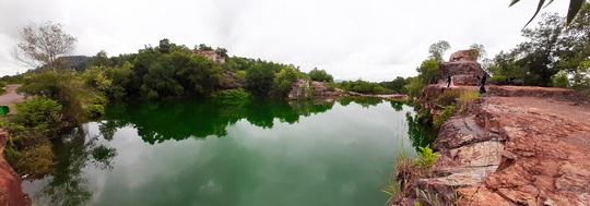 """Xanh biếc hồ Tà Pạ - """"tuyệt tình cốc"""" của miền Tây - Ảnh 2."""