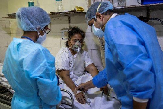 Quyết định sinh tử của bác sĩ Ấn Độ trong cuộc chiến Covid-19 - Ảnh 3.