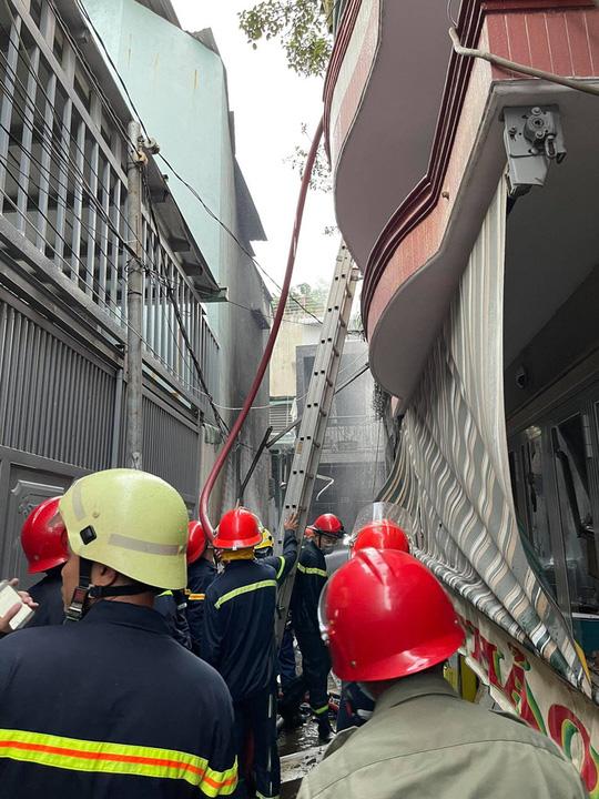 Thủ tướng Phạm Minh Chính chỉ đạo khắc phục hậu quả vụ cháy làm 8 người chết - Ảnh 2.