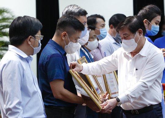 Chủ tịch Nguyễn Thành Phong: Qua một năm mà khó khăn ở Công ty Tân Thuận chưa được tháo gỡ - Ảnh 2.