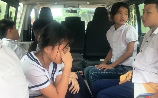 Clip: Nhiều học sinh Phú Yên nhập viện sau khi uống thuốc tẩy giun - Ảnh 1.