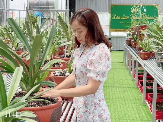 Bà chủ vườn lan trăm loài Thùy Linh chia sẻ bí quyết trồng lan - Ảnh 3.